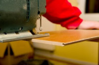 Laminat mit Stichsäge schneiden: Tipps, Tricks und Technik