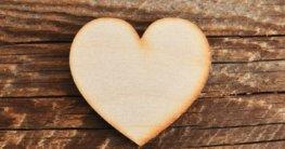Herz in Holz sägen