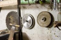 Drehzahl Kreissägeblatt: Optimale Kreissäge Geschwindigkeit berechnen