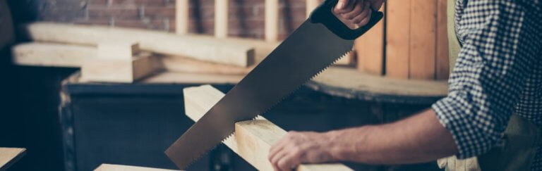 Holz sägen schneiden